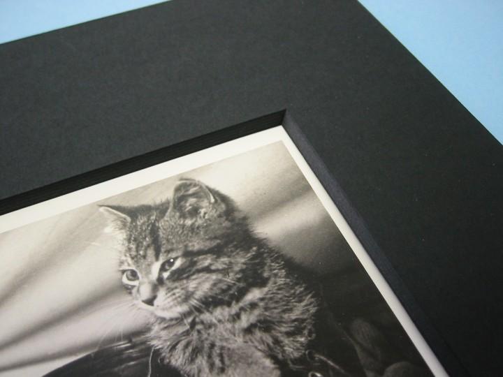 Galeriekarton schwarz durchgefärbt, 2 mm Dicke_KB